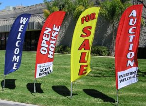 banner flags outdoor 300x219 Temporary Signs